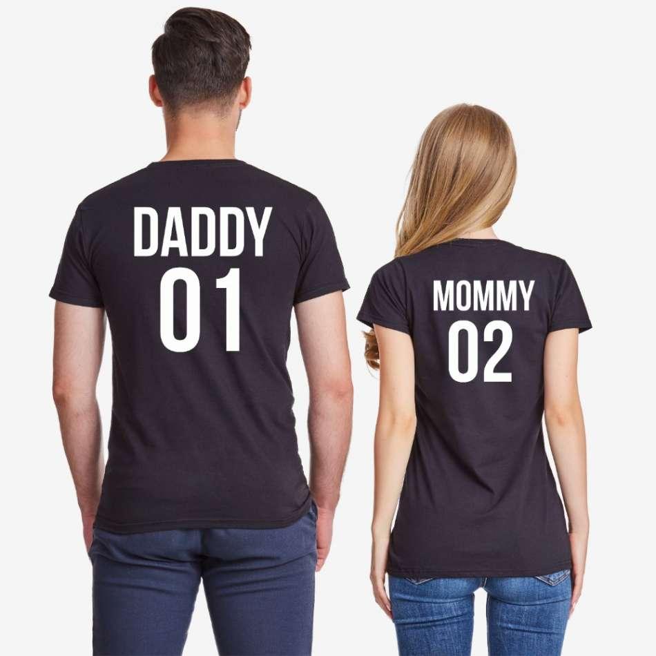 Tričká pre páry v biele alebo čierne farbe Daddy 01 и Mommy 02